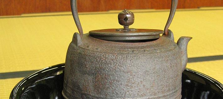 Gusseiserne Teekannen – Zauber aus Japan