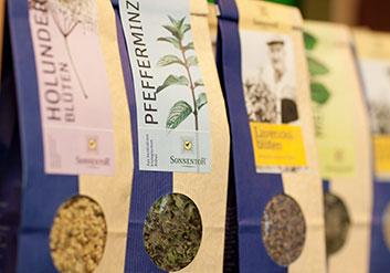 Beuteltee oder loser Tee: Offener Tee ist in der Qualität viel leichter zu beurteilen als Tee im Beutel. Gute Qualität hat ihren Preis.