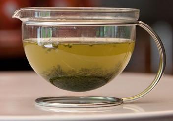 Grüner Tee, 1. Aufguss Grüntee wegschütten, Teemythos, Zubereitung Grüner Tee