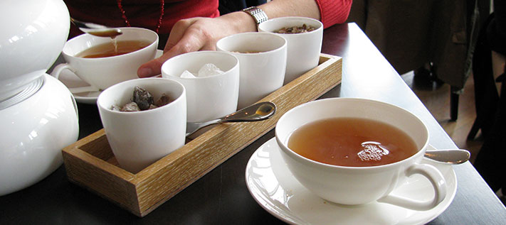 Tee besser ungesüßt genießen